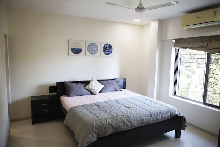 One Bedroom Apartment Near Airport.