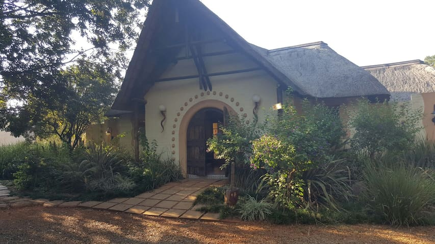 Highly recommended Vacation Rental for 14 guests - Benoni - Huis