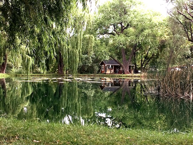 PondHouse Cottage on Private Pond