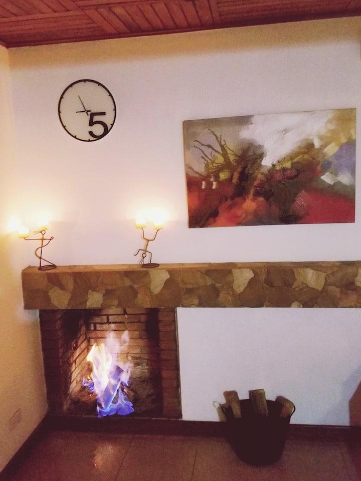 BOUTIQUE apartamento,terraza y chimenea romanticas