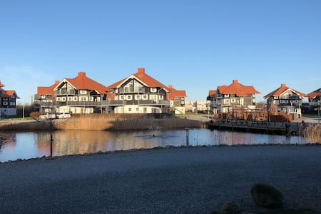 Lækker lejlighed tæt ved strand og marina