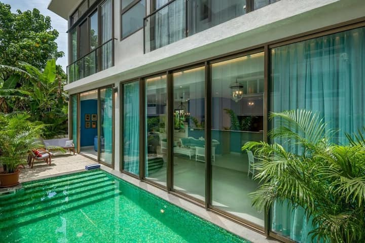 Luxurious 3Bhk villa with Pvt Pool in Nerul