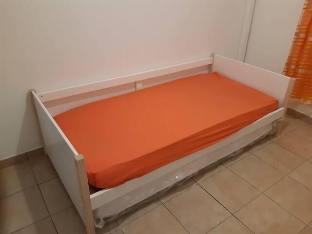 Chambre 3 - avec deux lits simples.