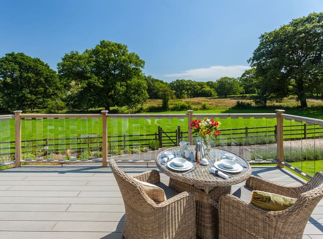 Devon/Cornwall Luxury Retreat | Exclusively Yours