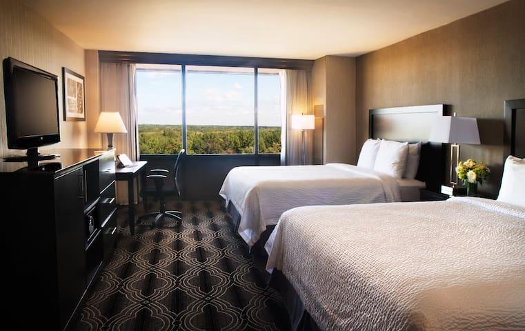 Concierge Two Queen Beds
