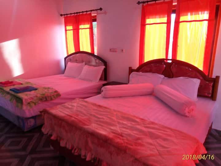 Lakey peak hotel tomo ,(Room Ac) in sumbawa Lakey