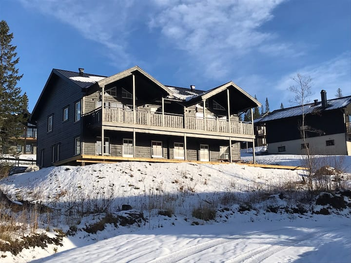 Nybyggt parhus (husdel A) i Åre/Sadeln, Ski in
