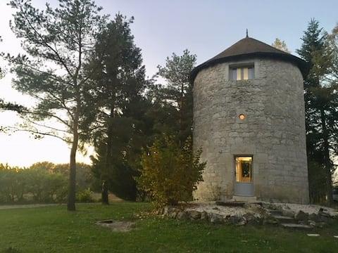 Moulin à la campagne avec son jacuzzi privatif 💕