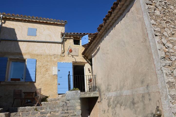 Chambre d'hôte dans maison de hameau surle Ventoux - Monieux - Hus