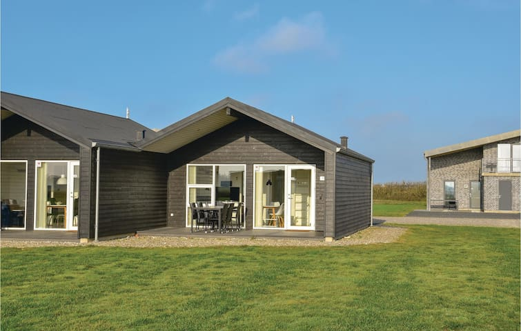 Semi-Detached with 2 bedrooms on 43m² in Ringkøbing