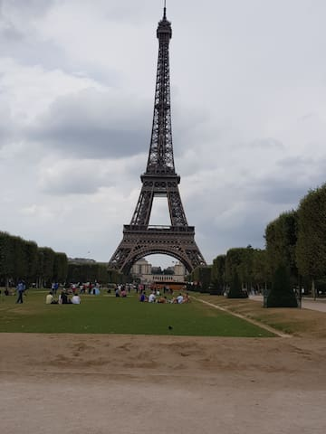 Cozy place close to the Eiffel tower