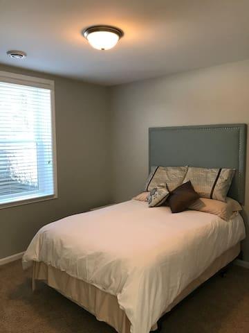 2nd Bedroom, Full