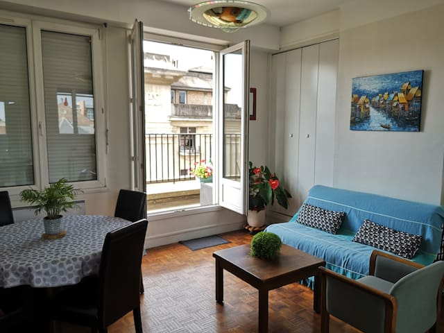Lovely Apartment with balcony near Cathedral