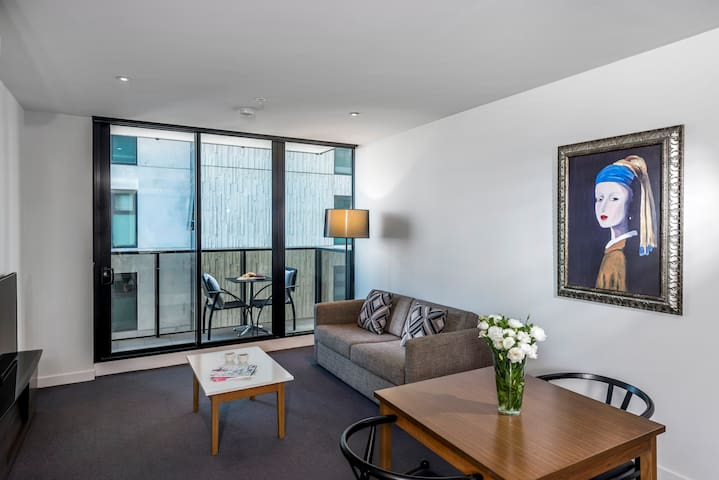 One Bed Apartment in trendy Southbank