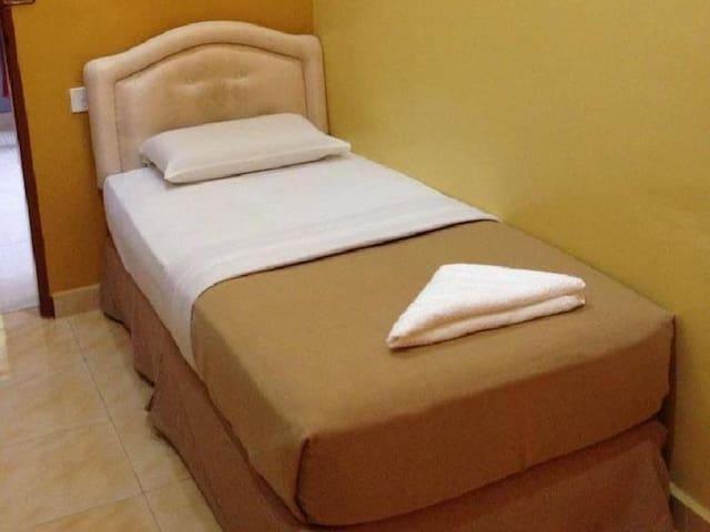 Single Room - Anggerik Impian Hotel Kuala Berang