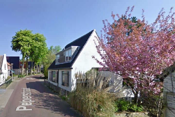 vakantiehuis Egmond heerlijk aan zee en duinen - Egmond-Binnen - Huis