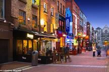 Temple Bar street scene - 15 minute walk