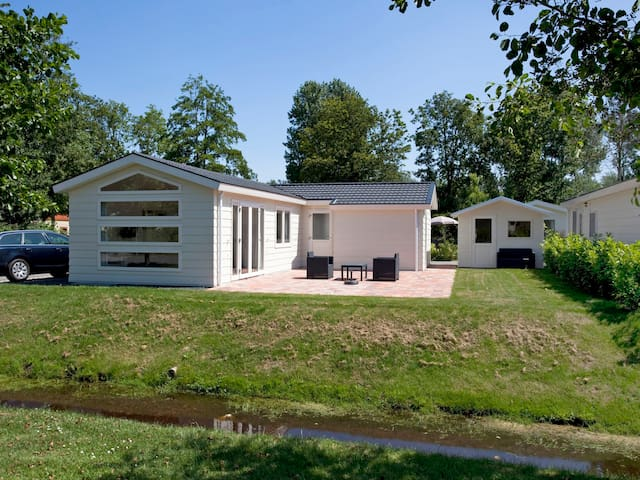 Great holiday home Type F in Velsen-South