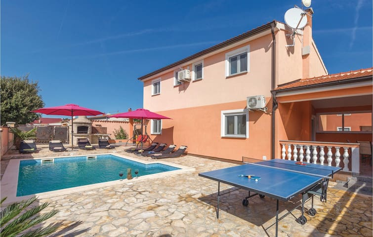 Holiday cottage with 4 bedrooms on 120m² in Betiga