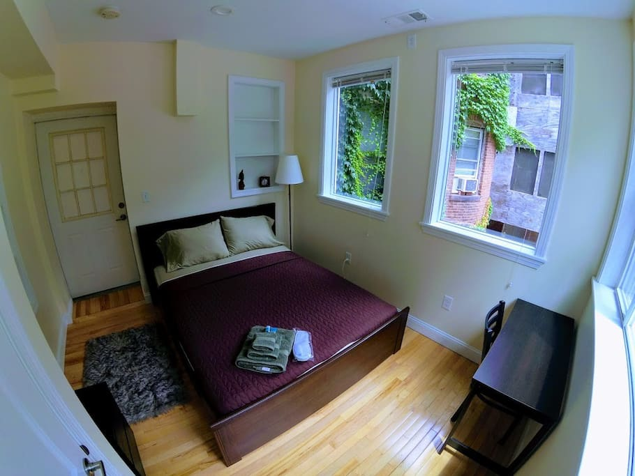 brookline station chat rooms Boston/camb/brook rooms & shares  « » press  (brookline, packard's corner, bu  favorite this post aug 16 room available in a large apartment.