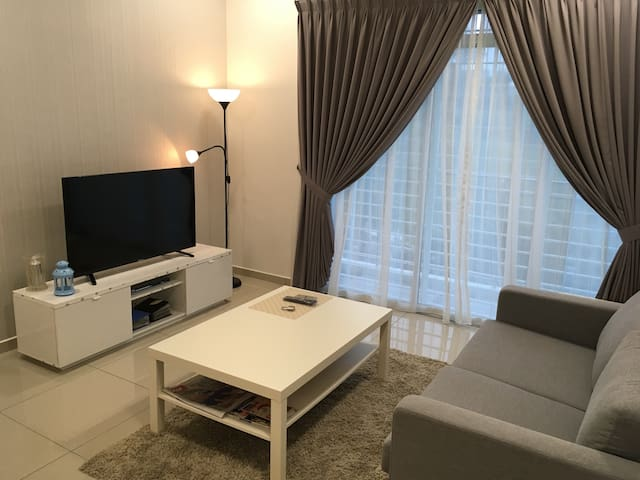 3room condo@ Alice Smith School - Seri Kembangan - Apartamento