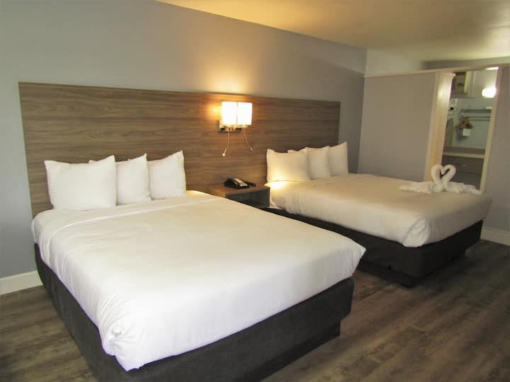 Comfy Room w/ 2 Queen Beds, Private Bath & More