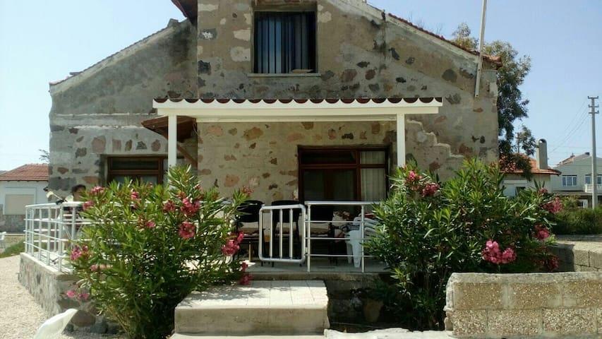 Deniz kıyısında otantik taş ev - çeşme - Rumah
