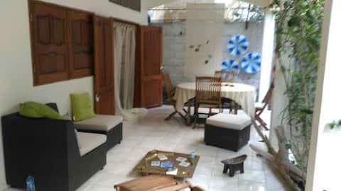 Chambre sur Pamandzi, proche de l'aéroport.