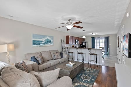 Townhouse in Jacksonville's Most Popular Place