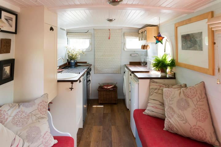 Charming Unique Houseboat near Stratford upon Avon - Warwickshire - Bateau