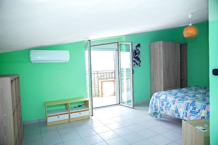 Second bedroom (top floor)