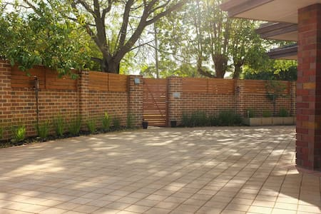 Lge. c/yard house in prime area very close 2 Perth - Maylands