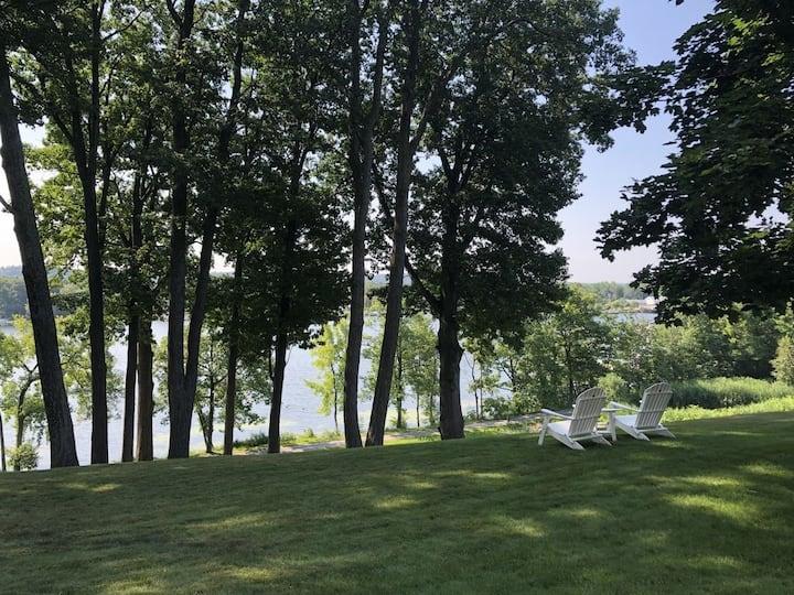 Beautiful Saratoga Lake View Home - Regatta View