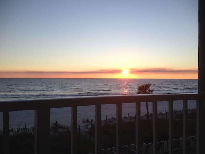 Gulf Front-Long Beach Resort
