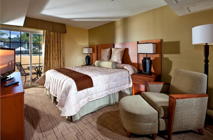 Del Mar Winners Circle Resort One-Bedroom Suite