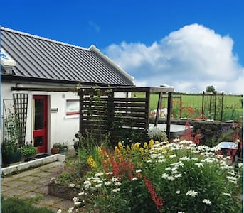 Studio Cottage for romantic getaway - Castlebar
