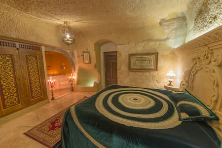 Grand Cave Room (Romantic Jacuzzi +Breakfast For2) - Ortahisar