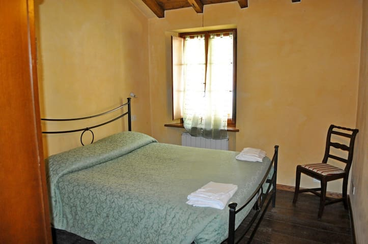 Casa Paris (Isola Santa in Garfagnana) - Isola Santa - Townhouse