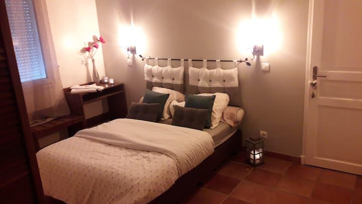 Chambre pour 2 personnes dans charmante maison