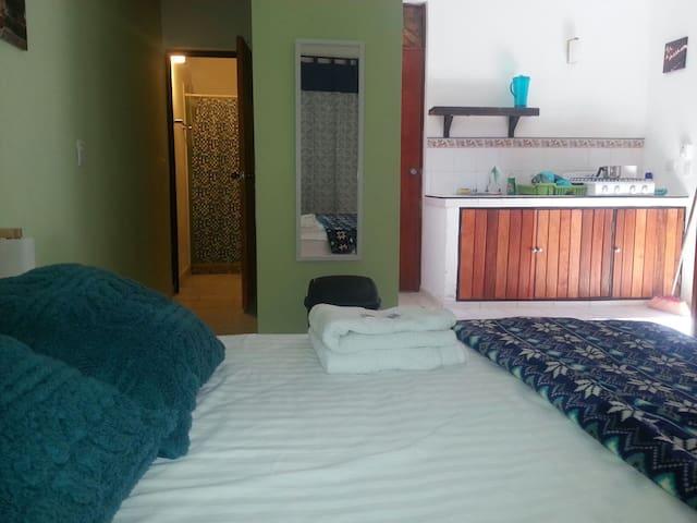 Habitación céntrica y cómoda ideal para parejas #5