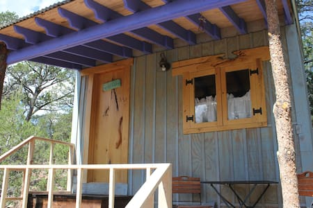 Jolly Llamas Getaway - Garden Cabin - Sandia Park - Ξυλόσπιτο