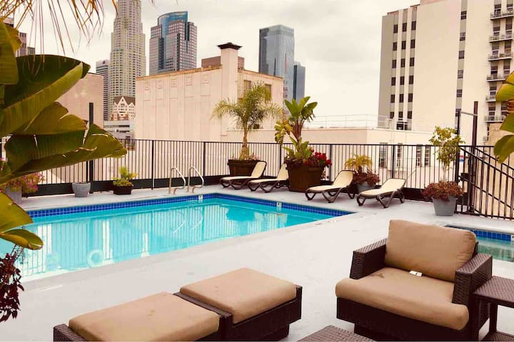 Marilyn Monroe Room w/Private Bath in DTLA 100Mbps