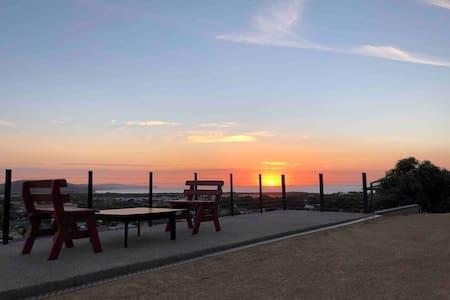Seaside Studio Retreat with Rural & Sea views