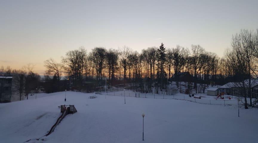 Stor ljus lägenhet, 5 minuter ifrån Växjö centrum. - Växjö - Pis