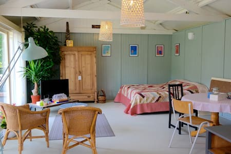 Your own charming and romantic guesthouse, + WiFi! - Honselersdijk - Cabana