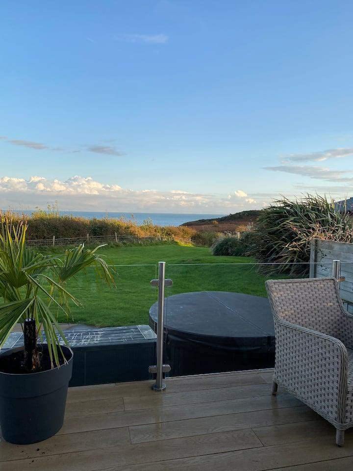 Luxury Lodge, Golf Village 2 at Hafan y Mor