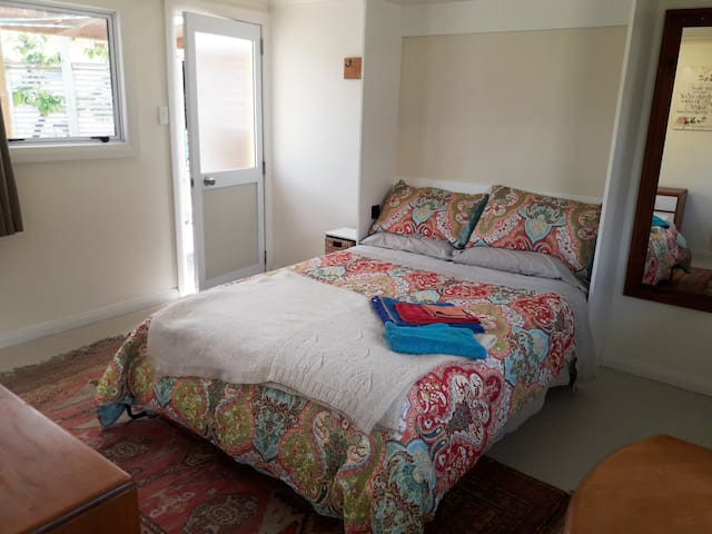 The Granny Flat - private and warm with double bed