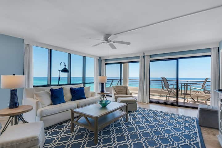 11th Floor Condo! Located in the Heart of Destin, Great Amenities, Beach Access