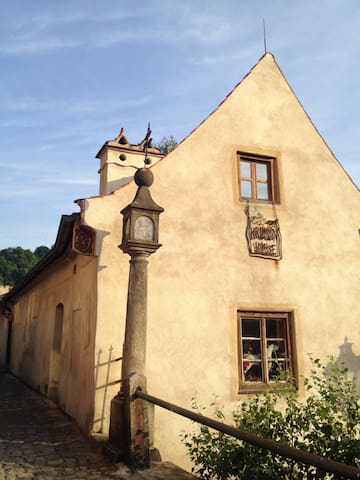 Krumlov House - convenient apartment with parking