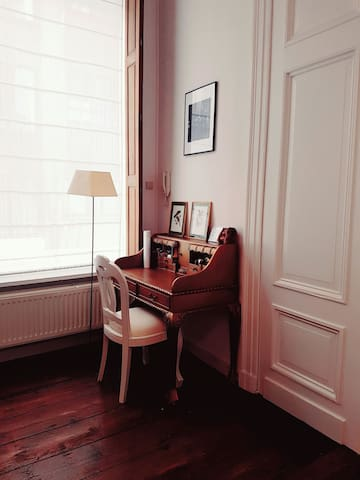 Very cosy loft in magnificent building - Anvers - Loft